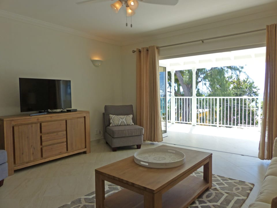 Living Area to spacious Patio