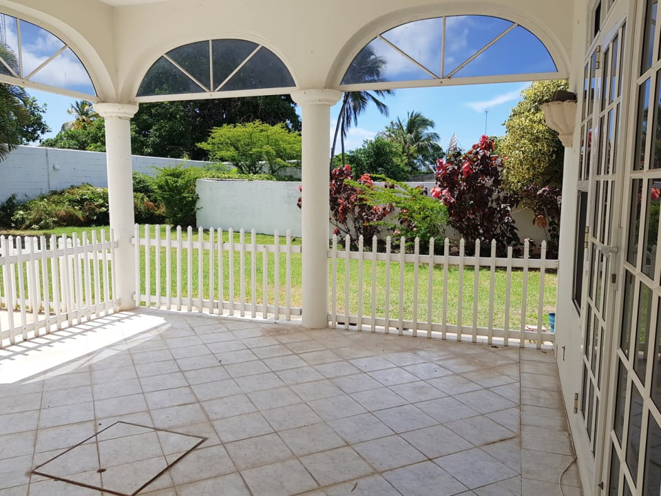 Spacious patio with garden