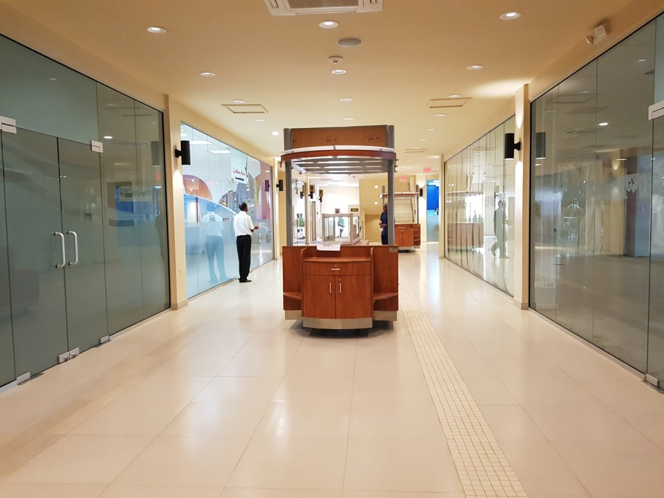 Large Corridors with Kiosks for rent
