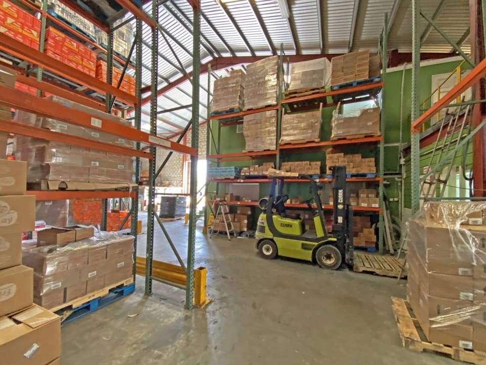 Double height warehouse space