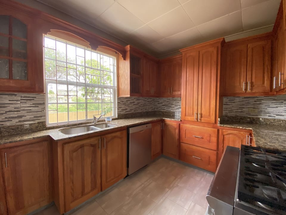 Modern kitchen inclusive of appliances