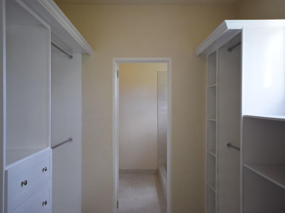 Walk-In Closet/ En Suite Bathroom