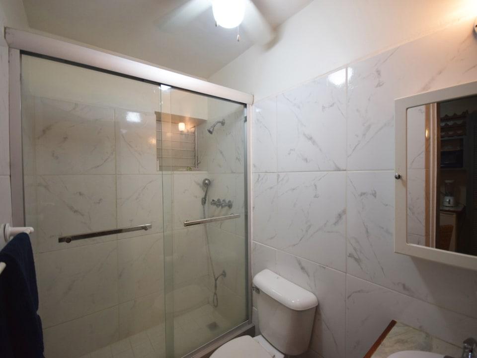 Updated bathroom in Cottage no 1