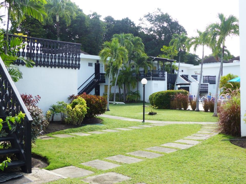 Walkway to the pool