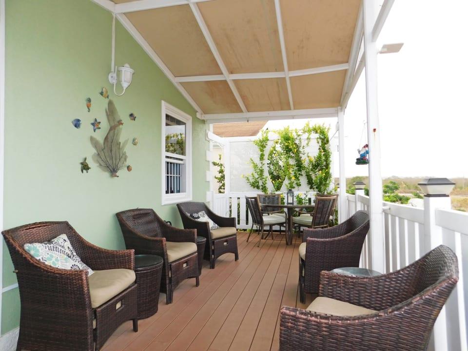 West facing lounge deck