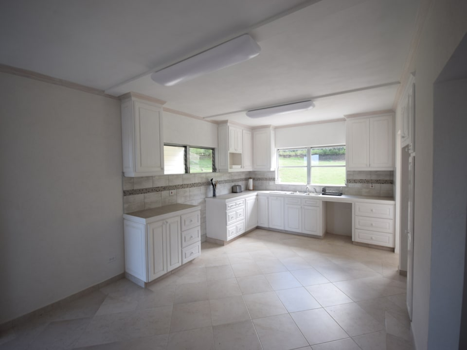 Kitchen - can be outfitted if required