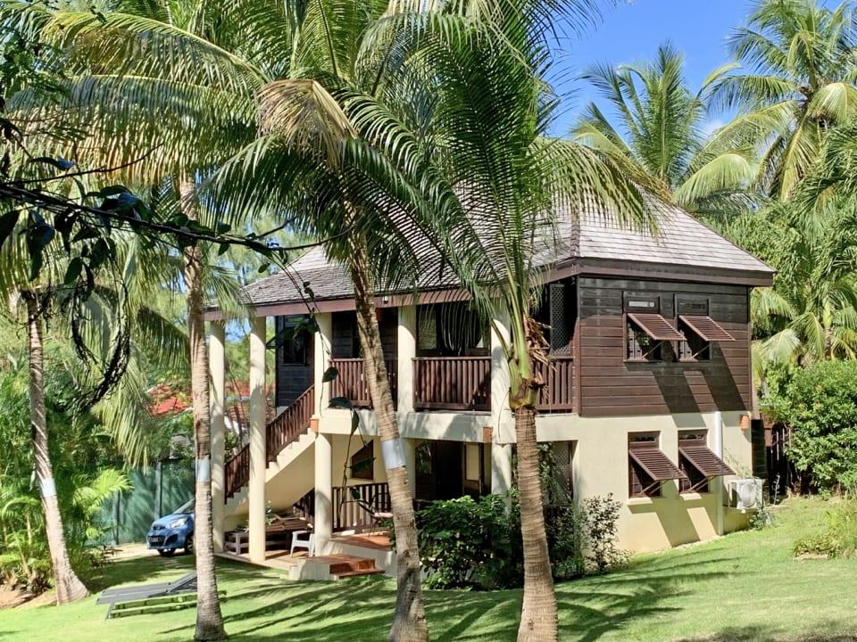 Calabash - a unique tropical home