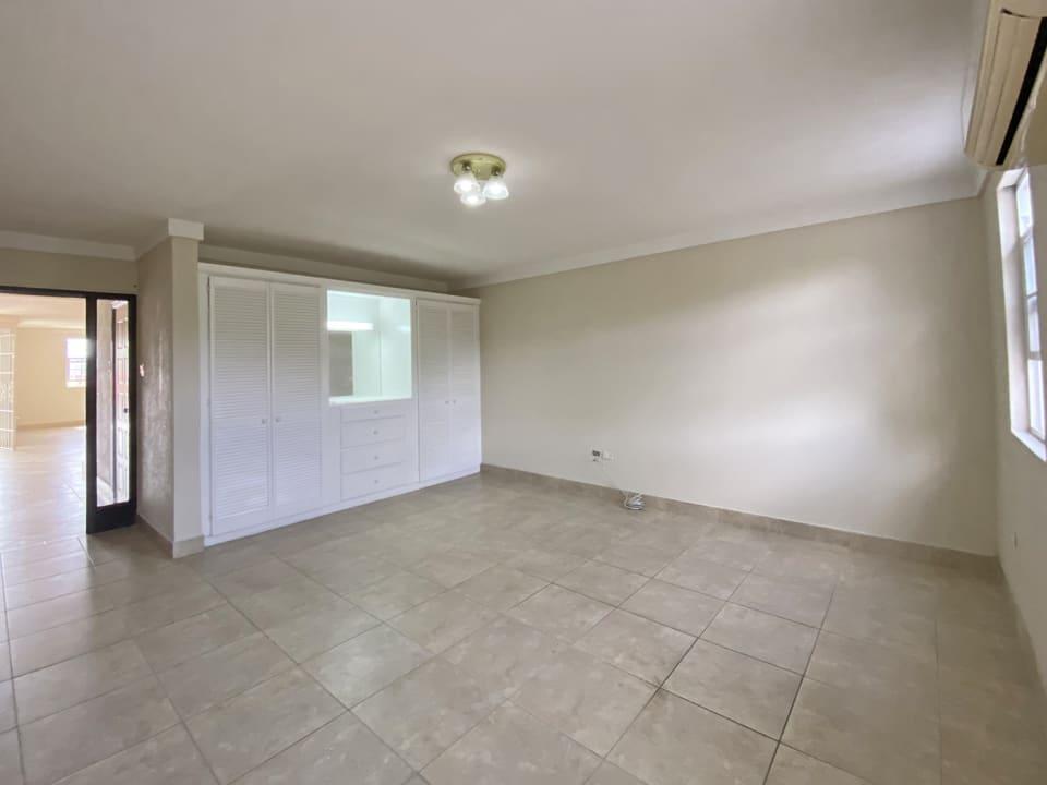 Guest bedroom 1 - ground floor