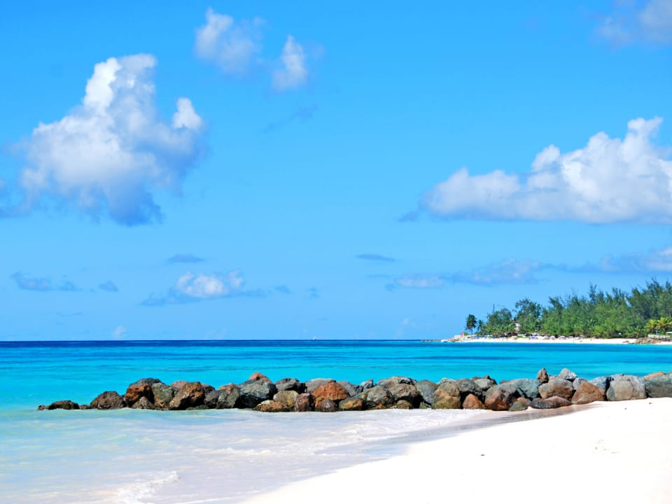 Maxwell Beach with powdery white sand