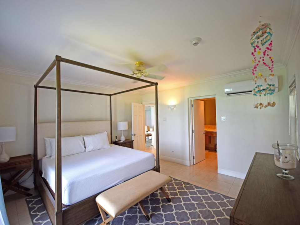 Master Bedroom on the sea side