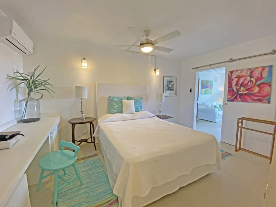 Attractive bedroom with desk