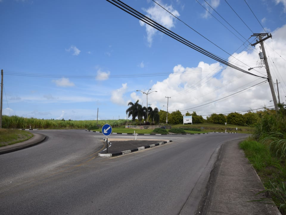 Roundabout leading to Dayrell's Commerical Park