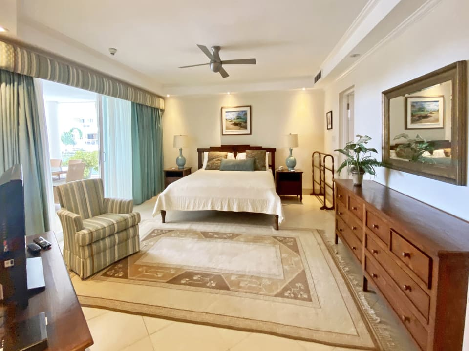 Large master bedroom with views, en suite bathroom and walk in closet