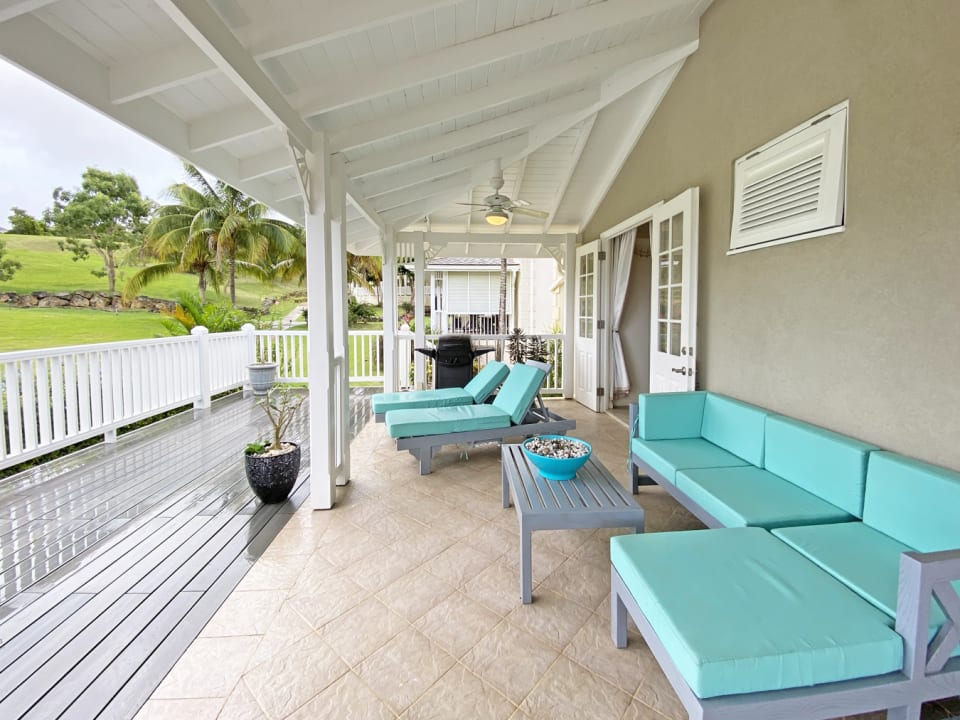 Attractively furnished terrace