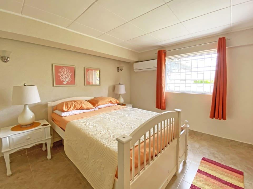 Ground floor 3 bed Apt - Guest bedroom