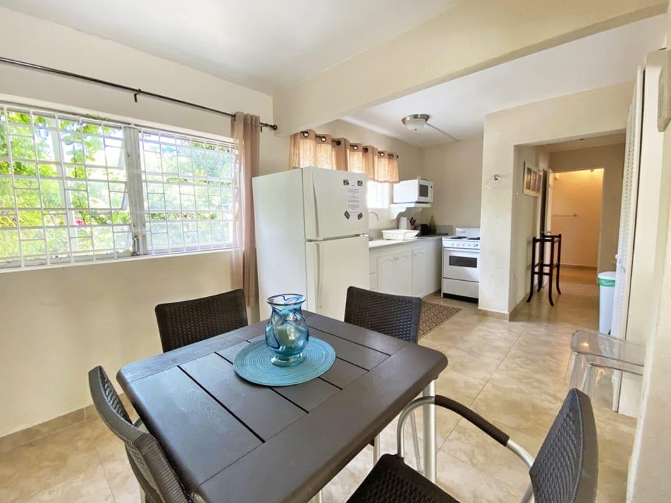 Ground floor 3 bed Apt - Open plan kitchen & dining