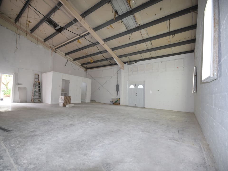 Large warehouse space at 49 Warrens