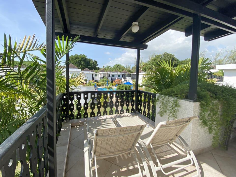 Large second terrace with pool views