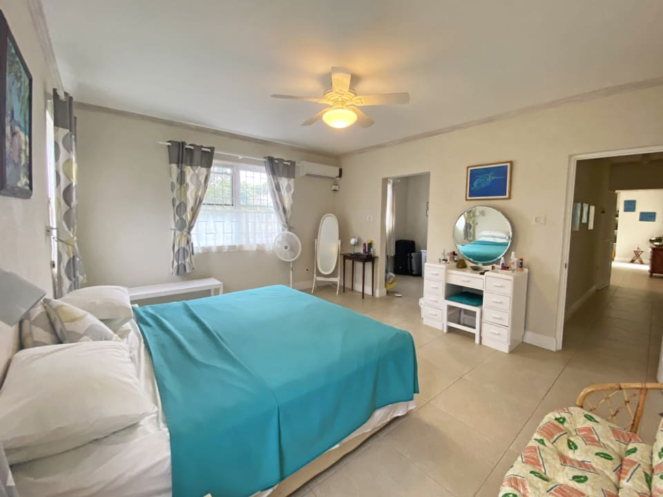 Master bedroom with an ensuite & walk in closet