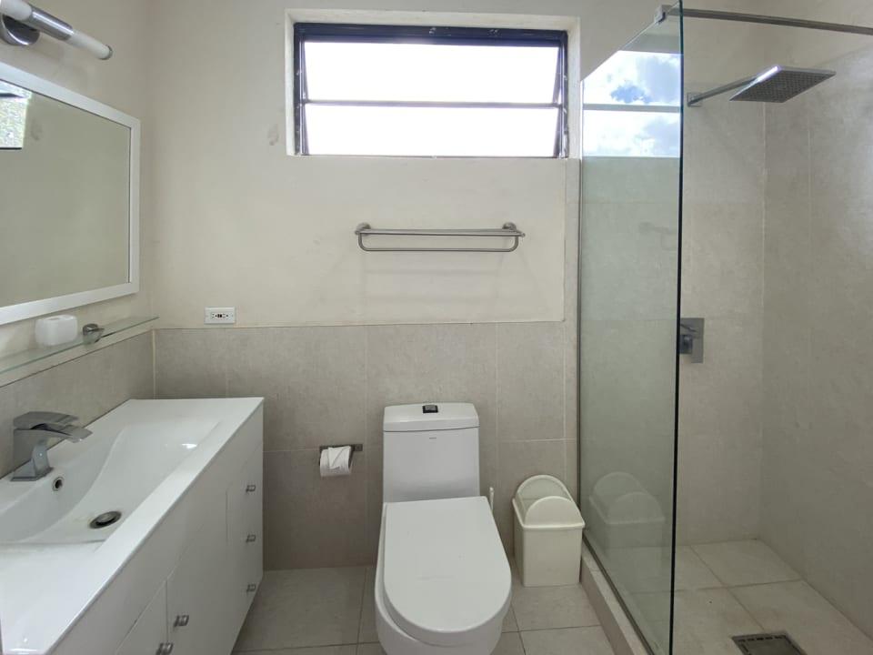 Master En Suite Shower