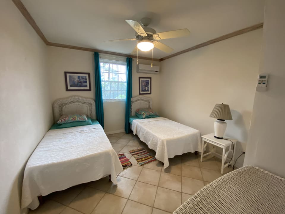 3rd bedroom with twin beds
