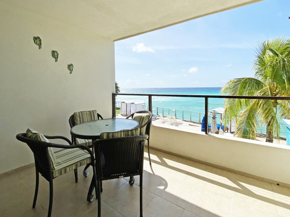 Patio with magnificent views of sea