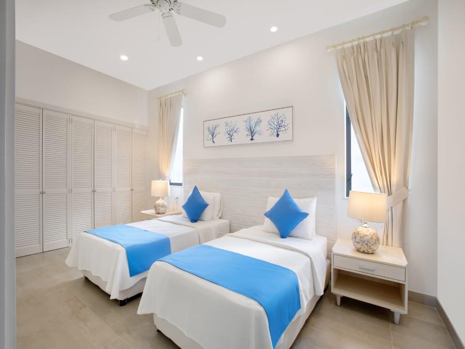 Beach View Villa twin bedroom