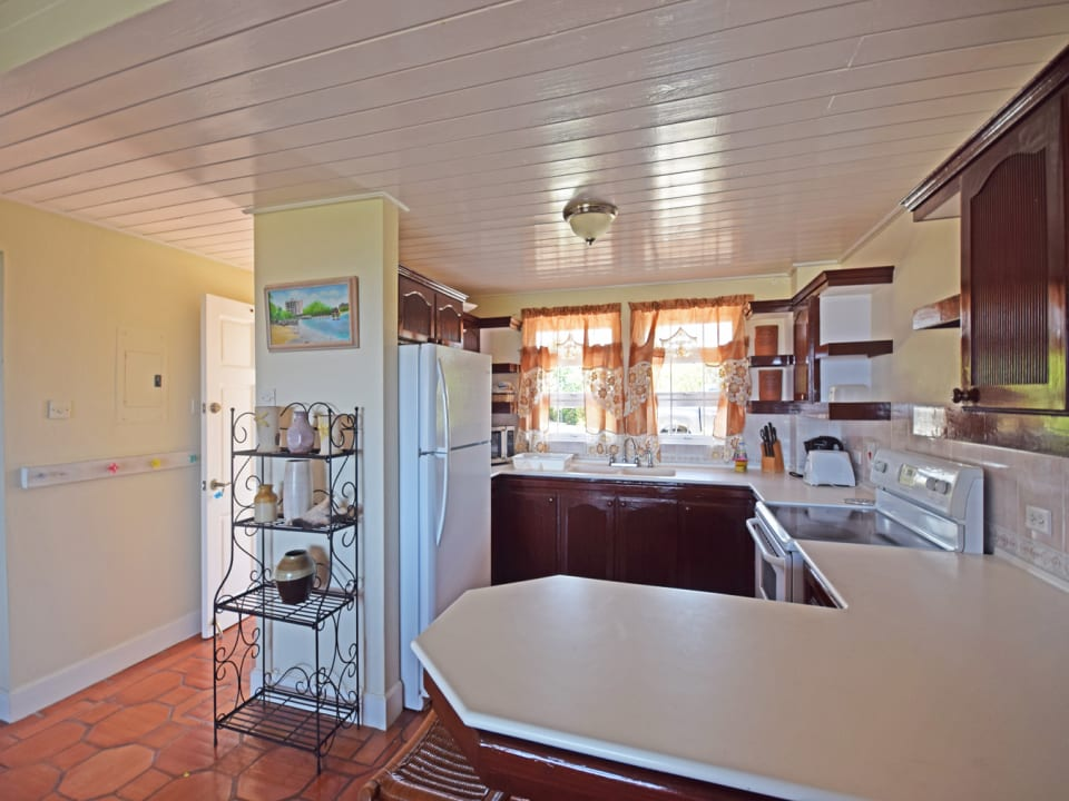 Kitchen with ample work surfaces