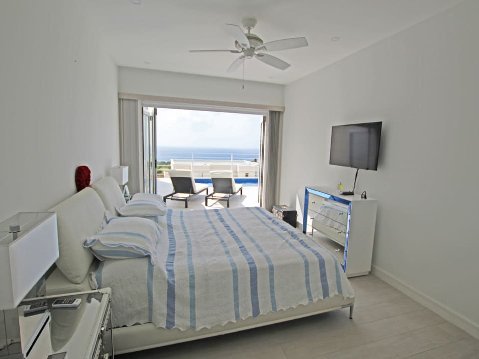 Main bedroom suite