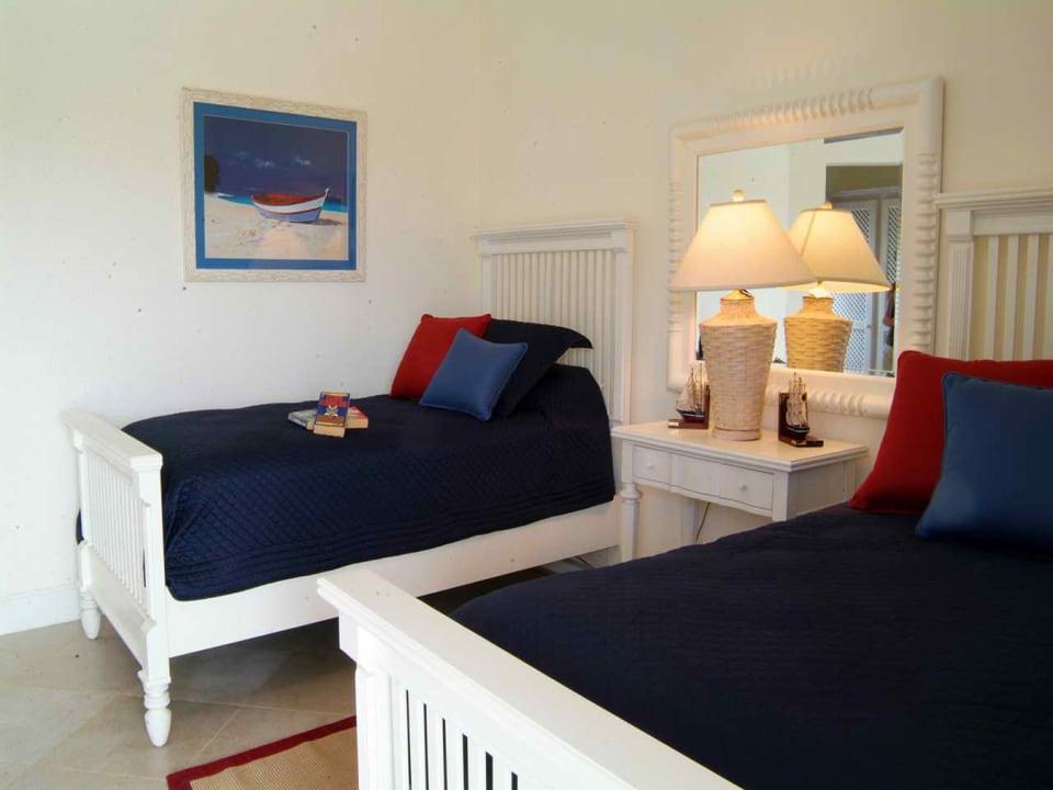 Guest bedroom ensuite