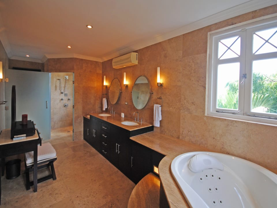 Beautiful air conditioned master bathroom