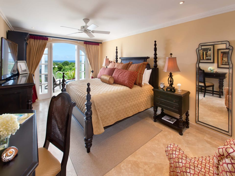 Bedroom opening onto the Pool Deck