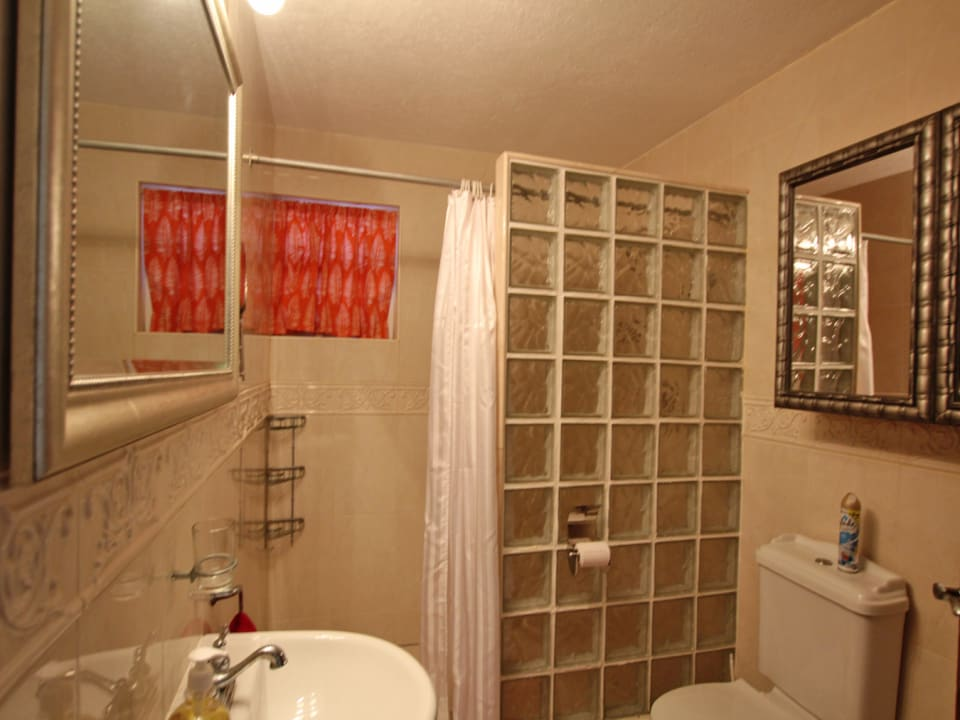 Rosalie One - Guest Bathroom