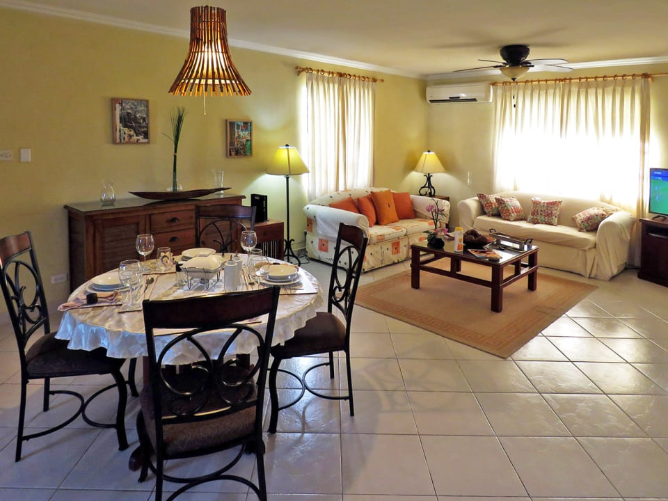 Open plan dining and sitting room