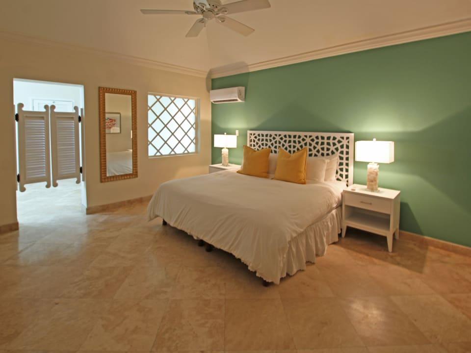 Large ground floor bedroom suite