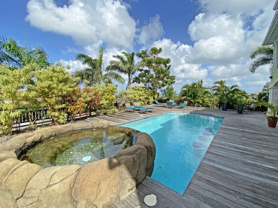Pool with deck - great for entertaining
