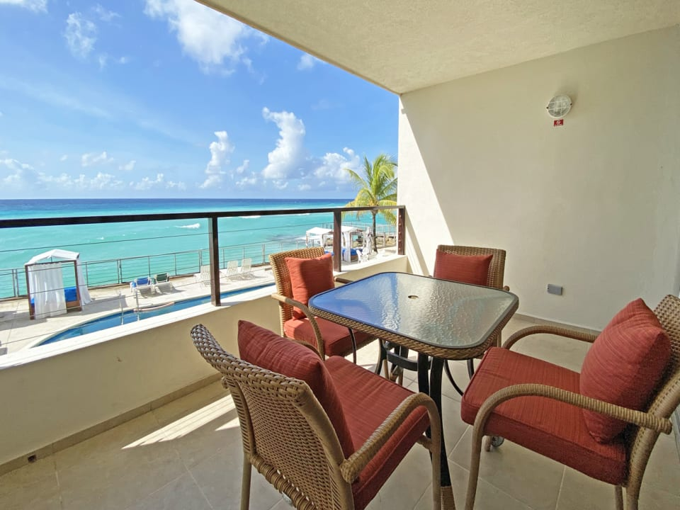 Patio with exquisite views of the sea