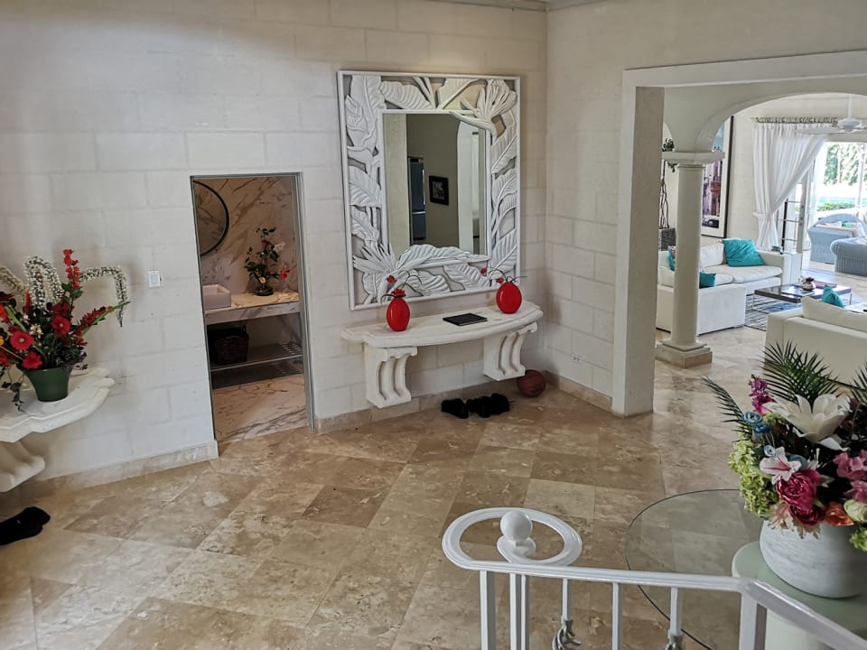 Impressive double height entry foyer