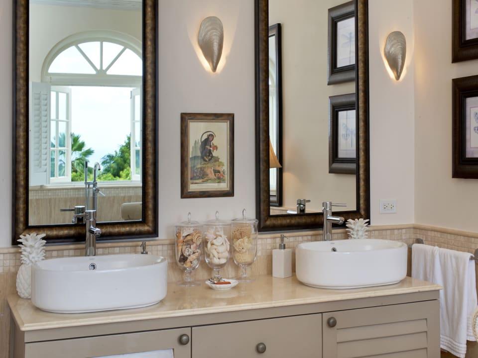 Main bathroom with twin vanities