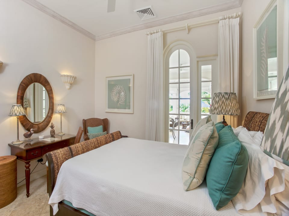 Guest bedroom en-suite