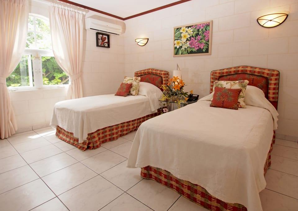 Ground floor guest bedroom