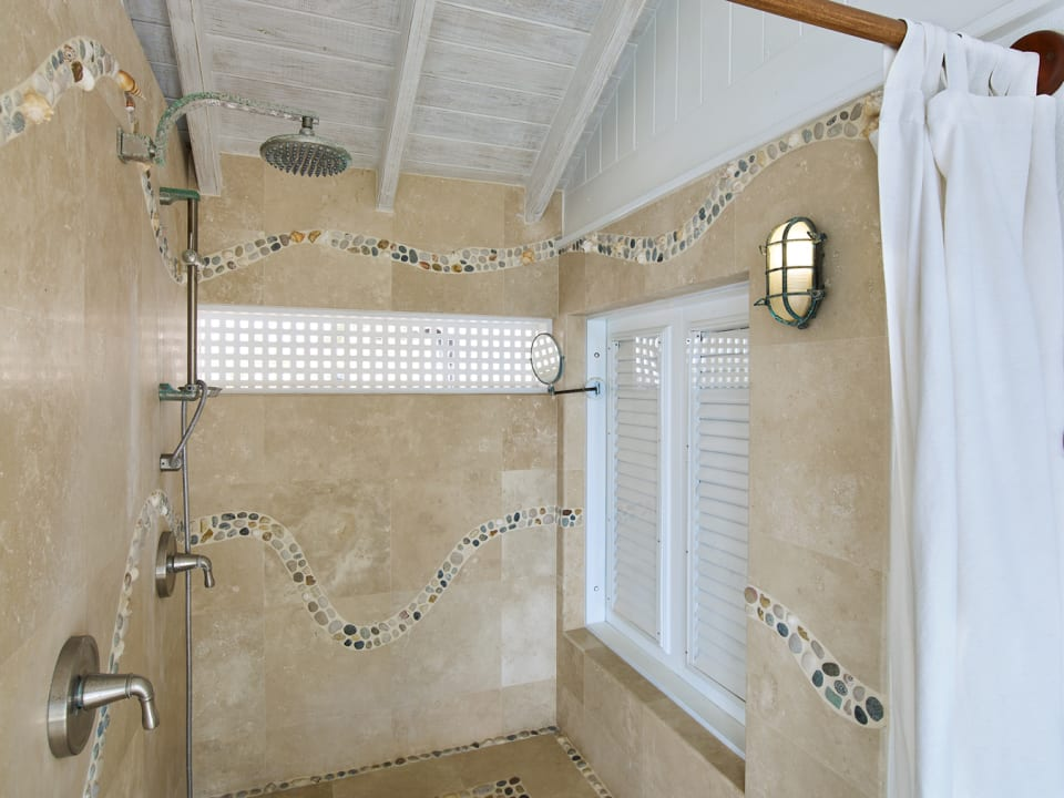 Main shower, with a view!