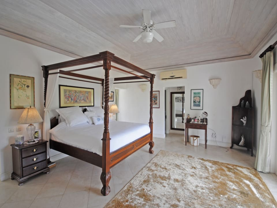 Spacious main Bedroom with his and hers walk in closets and ensuite bathroom