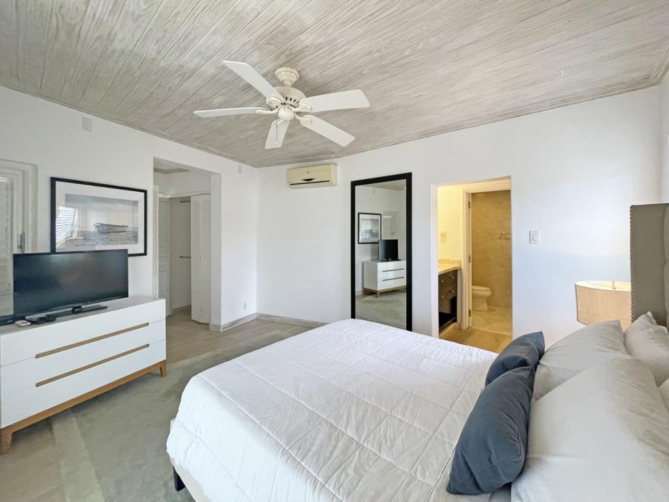 Guest bedroom with en suite