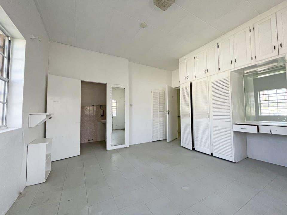 Spacios bedroom with en suite bathroom