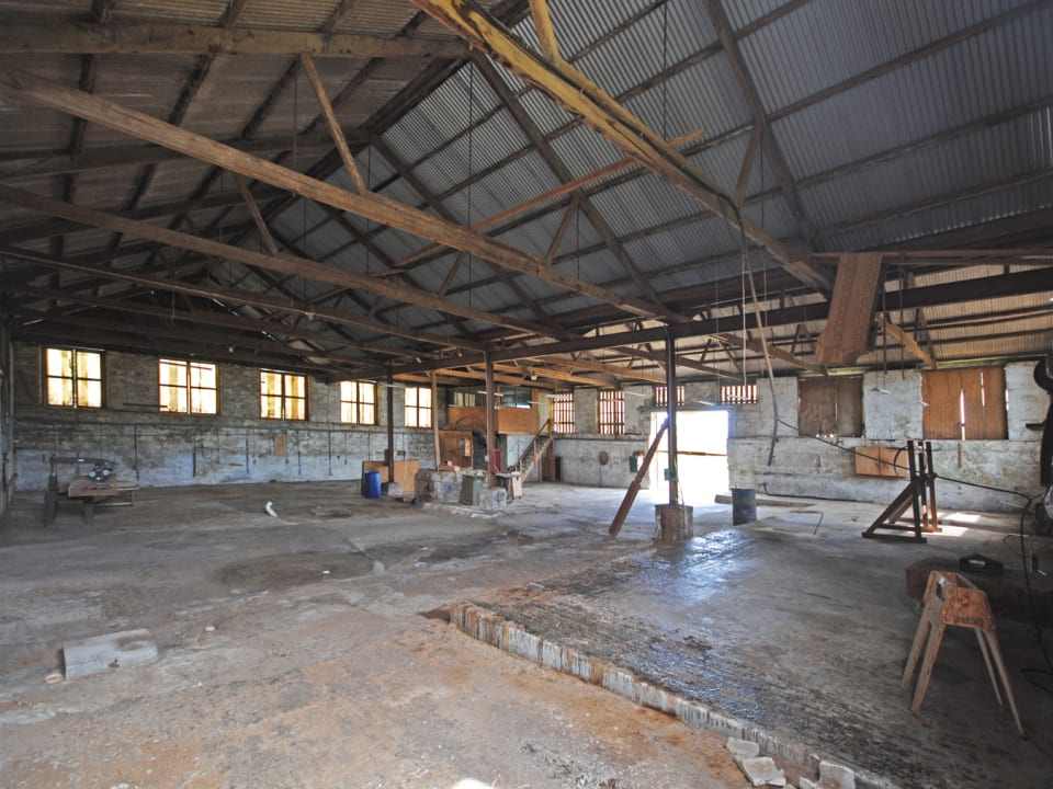 Internal view of the Warehouse on lot A5
