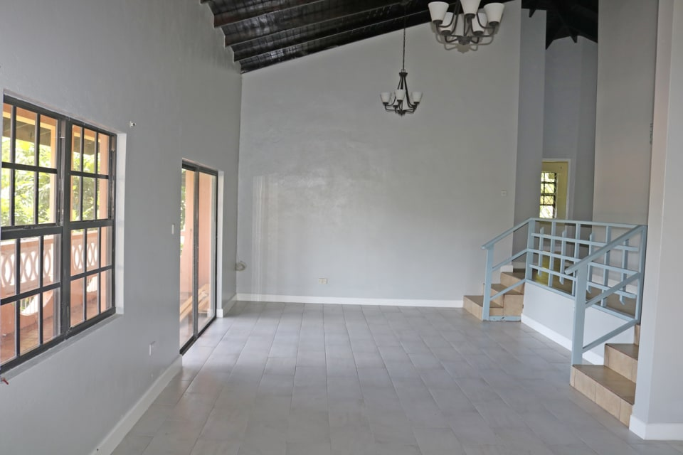 Living/Dining room - open plan (1st view)