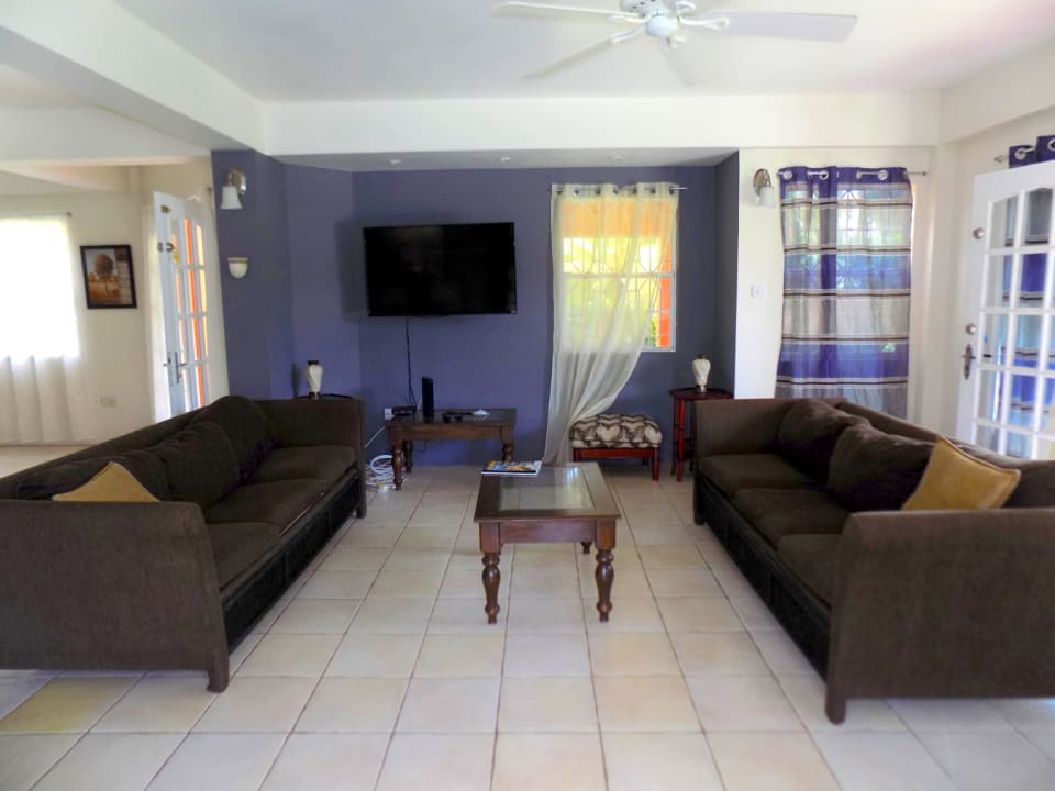 Living Room upon entry