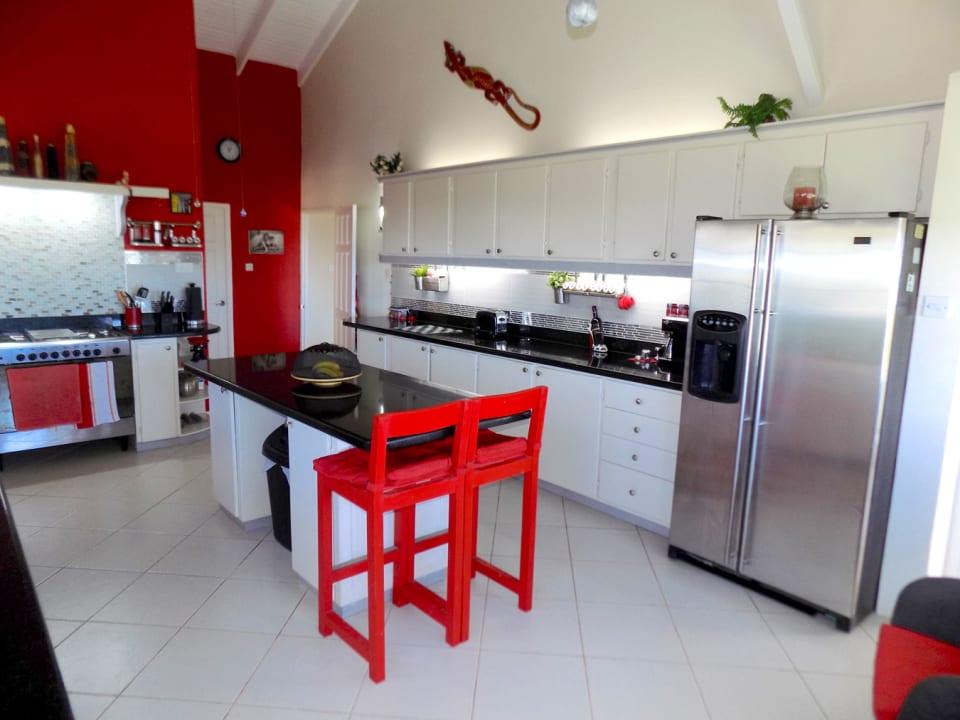 Ample-sized Modern Kitchen