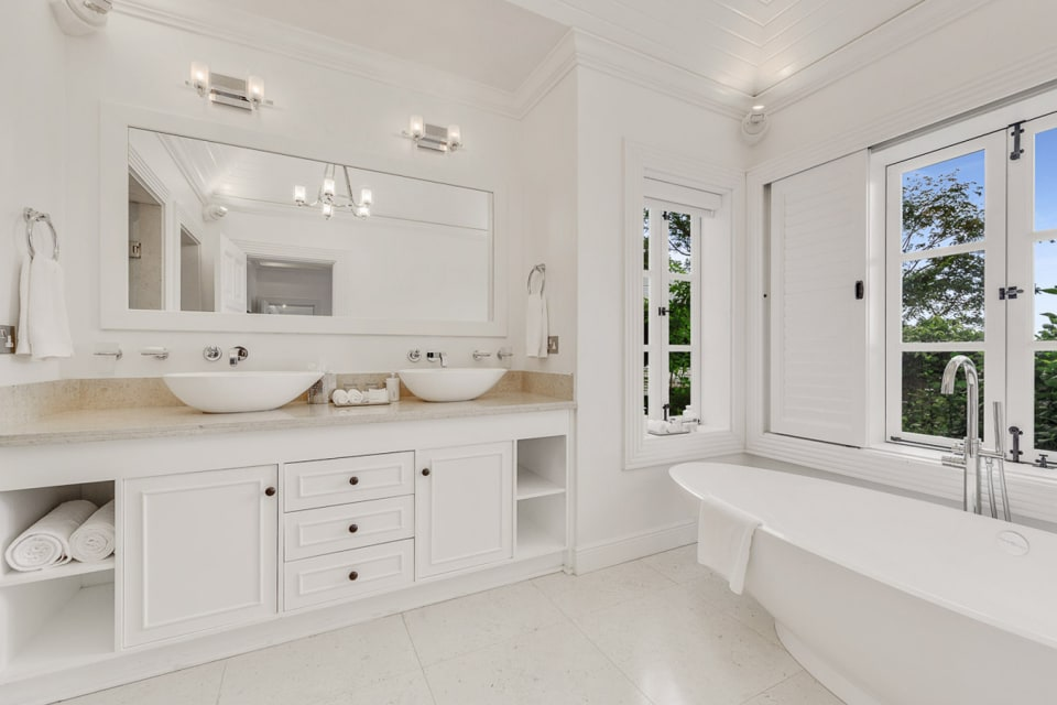 Lower floor master bath